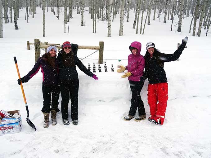 girls-at-snow-bar